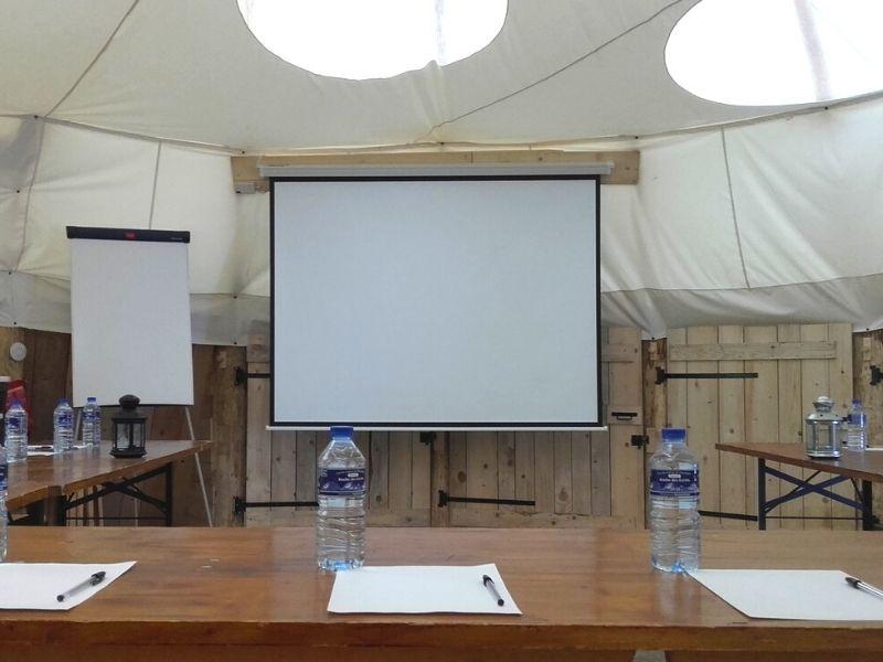 Salle de réunion tipi