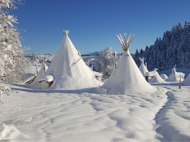 Village tipi en hiver